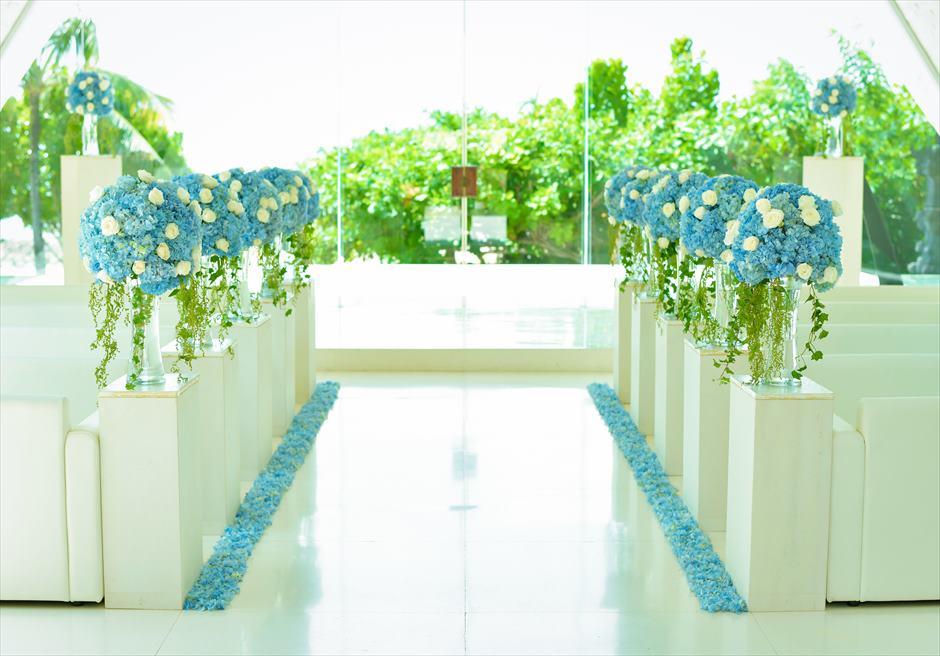 ウル・シャンティ・チャペル│ オール・ブルー・ウェディング │挙式会場生花装飾