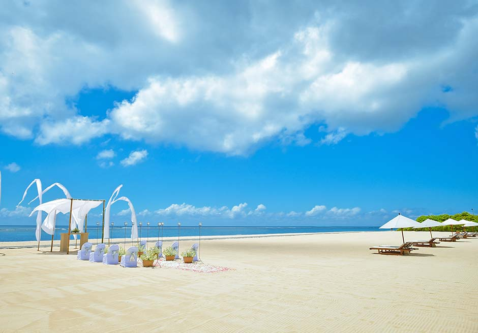アマヌサ<br /> ビーチウェディング プライベートビーチ全景と装飾