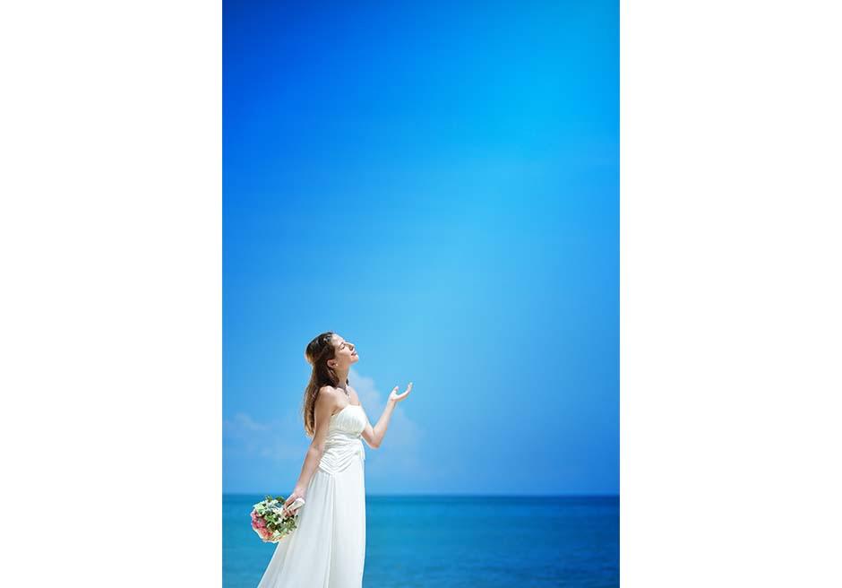 どこまでも真っ青な海と空
