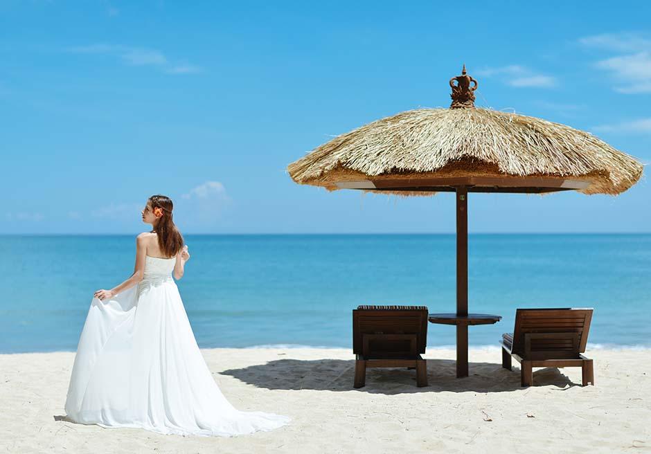 ベルモンド・ジンバラン・プリ・バリジンバランビーチ真っ青な海と白砂のビーチ