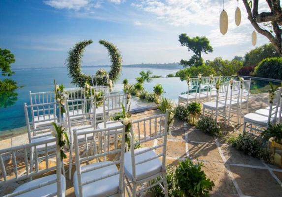 フォーシーズンズ・バリ・ジンバラン結婚式 プール挙式 ウォーターウェディング