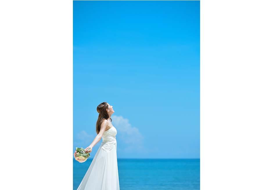 ジンバランビーチの真っ青な海と空