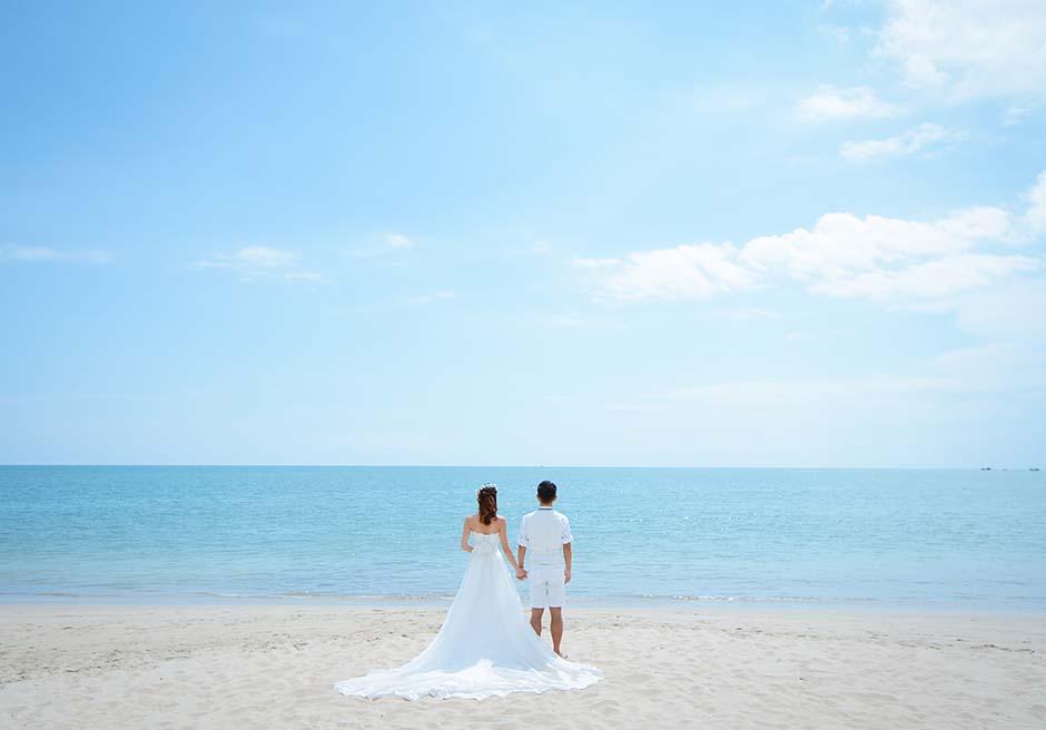 クラトン・ジンバラン・ビーチ・リゾート白砂ビーチにてフォトウェディング