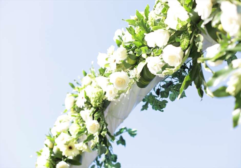 ウェディングアーチ生花装飾