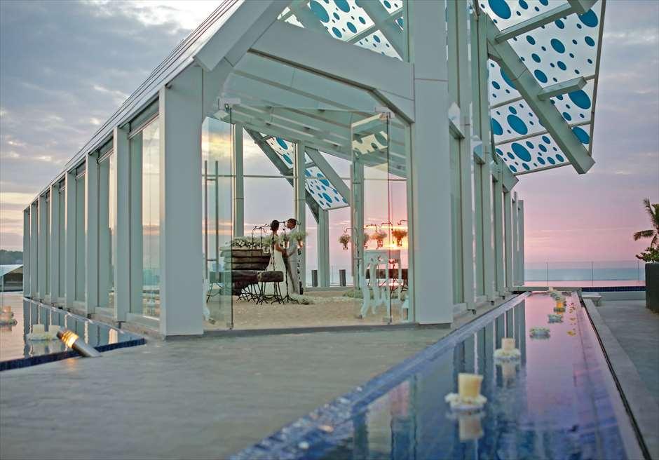 ル・メリディアン・ジンバラン・バリ セレブレーション・パビリオン エレベーテッド・サンセット・ウェディング サンセットタイム挙式シーン