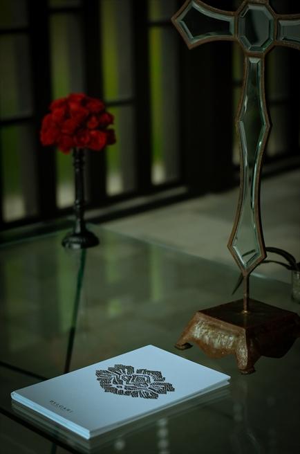 ブレス・バリ・オリジナル<br /> ブルガリ・チャペルウェディング<br /> シック&ラグジュアリー・デザイン<br /> ブルガリリゾートバリ特製式次第