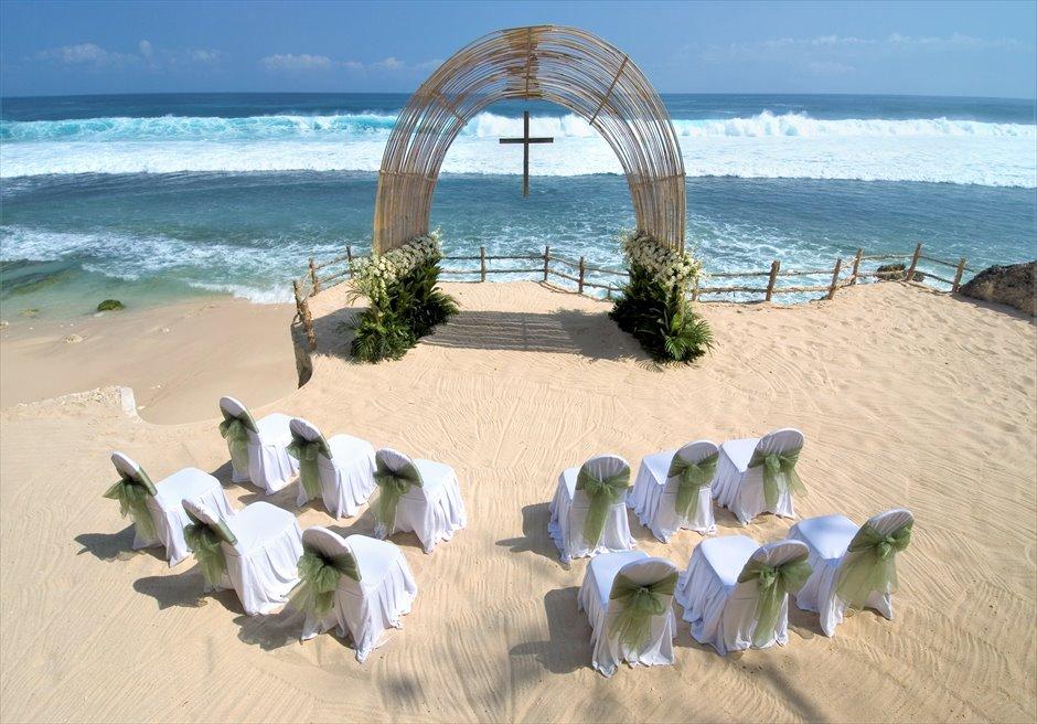 ブルガリリゾートバリ ブルガリ・ビーチ・ウェディング 挙式会場 基本装飾