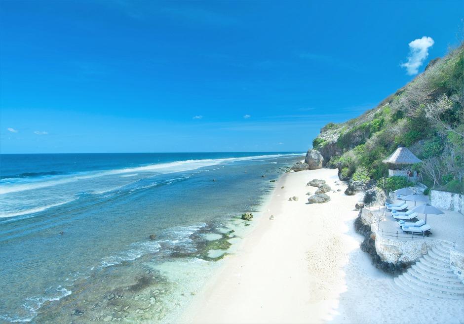 ブルガリ リゾート バリ バリ島で随一に美しい 白砂のウルワツ・ビーチ
