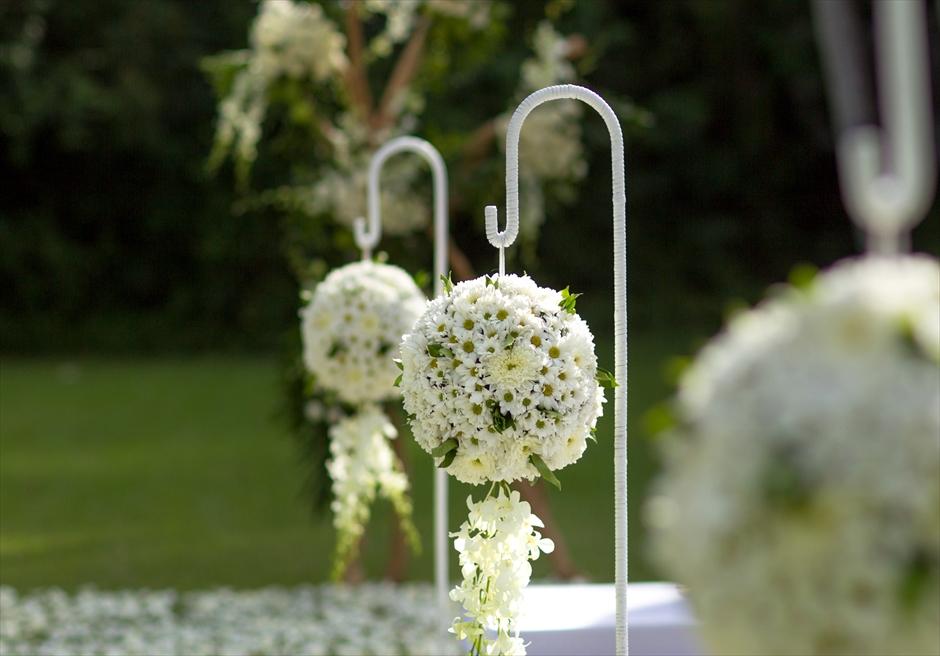 生花の装飾<br /> バージンロードアイルフラワー