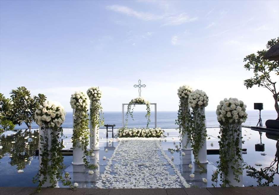 ブルガリ・ウォーター・ウェディング ホワイトアップグレード装飾
