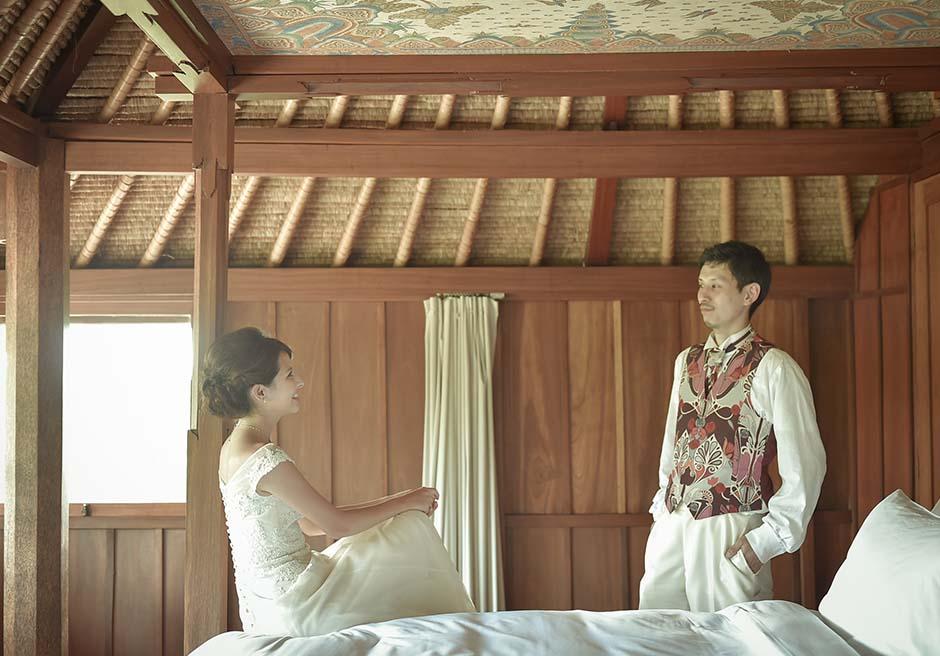 ヴィラのベッドルームにて