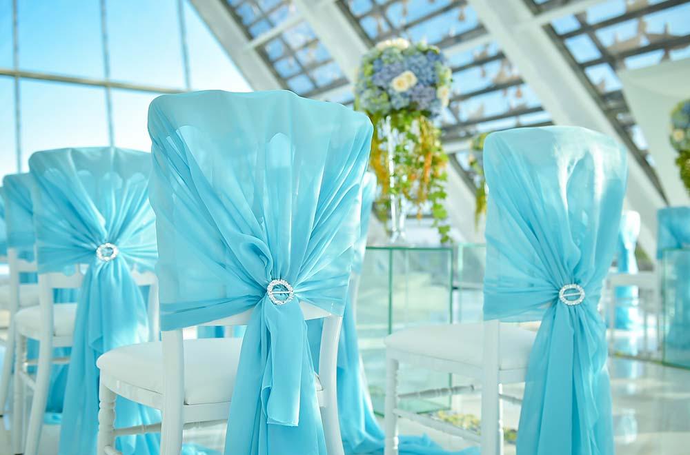 BLESS BALI オリジナル ウェディング プラン オール・ブルー・イン・ ザ・ホワイト・ダブ セレモニーチェア・ブルー装飾