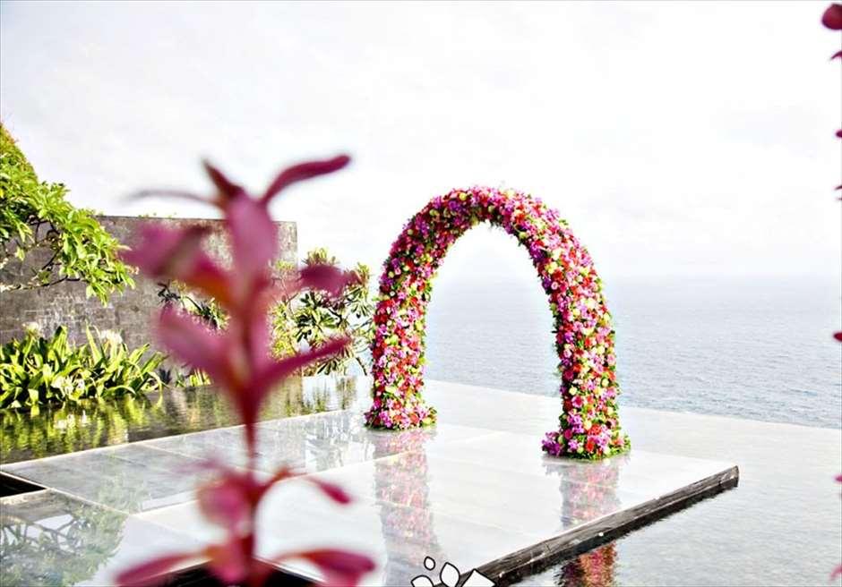 ブルガリ・ウォーター・ウェディング ピンクアップグレード装飾