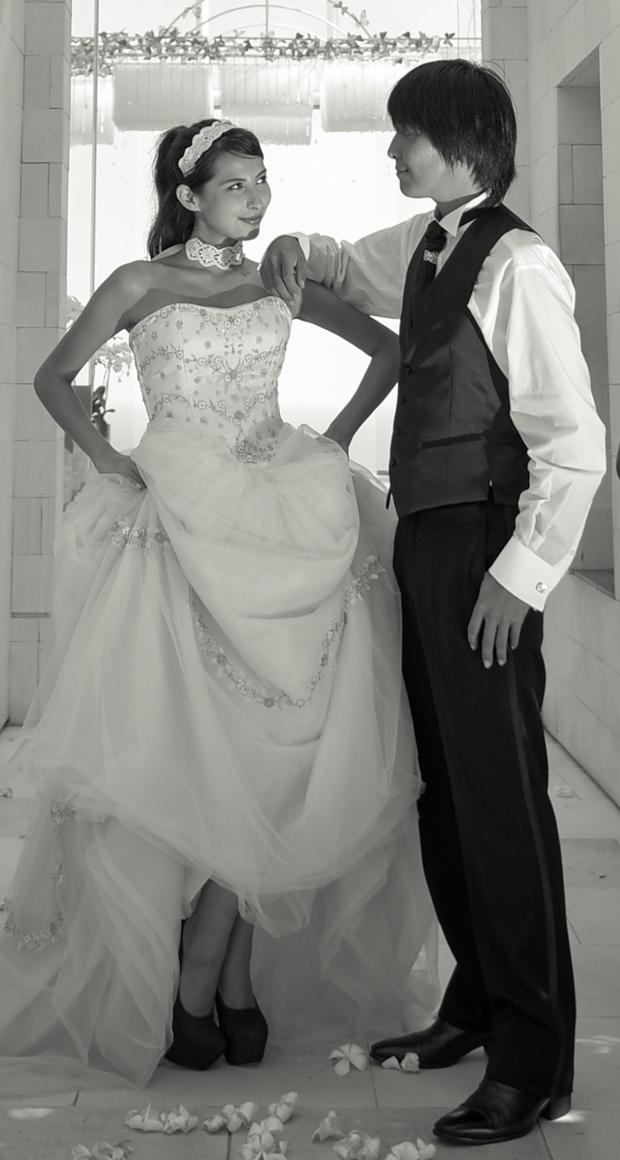 デザイナーズ高級レンタルドレス&タキシードbitter sweet<br>ブレス・バリのみの特別価格