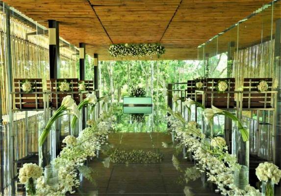 バリ島結婚式 カユマニス・ヌサドゥア挙式 グラス・チャペル・ウェディング