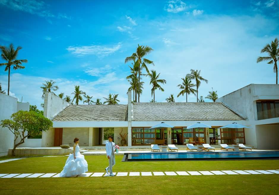 一棟建てバリ島ヴィラウェディング<br>広大な敷地を自由に利用する貸切挙式