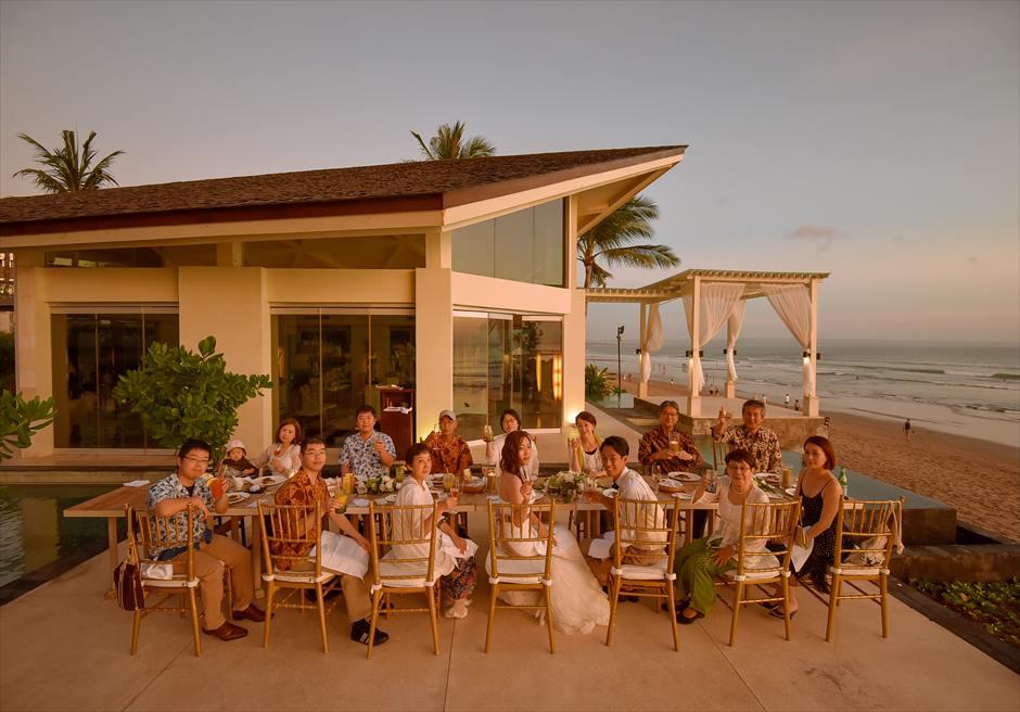バリ島チャペルでのウェデイングパーティー
