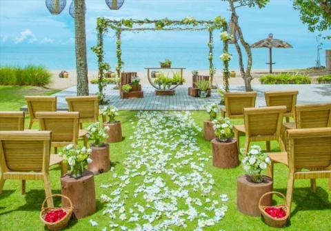 バリ島結婚式 ベルモンド・ジンバラン挙式 ガーデン・ウェディング