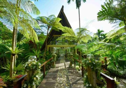 バリ島挙式 コマネカ・アット・ビスマ結婚式 ウブド・チャペル・ウェディング