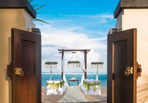 バリ島結婚式 セント・レジス・バリ挙式 ストランド・ヴィラ・ウェディング