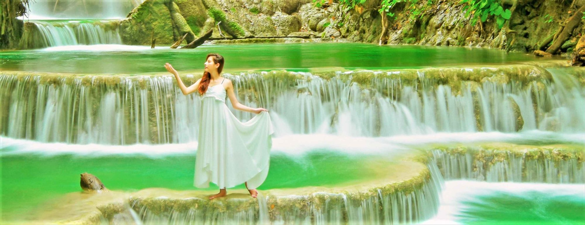 Amanwana Moyo Island Waterfall<br /> アマンワナ・モヨ島・ウォーターフォール