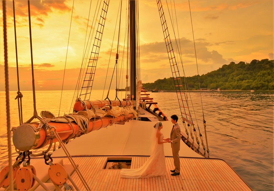 バリ島船上ウェディング/ Amandira & Amanwana Wedding/ アマンディラ&アマンワナ挙式