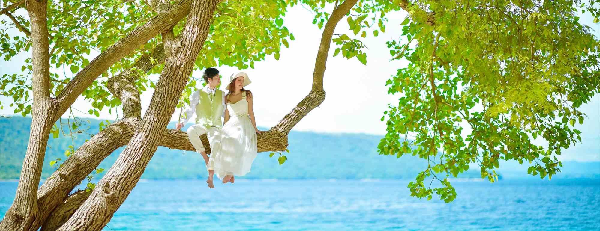 モヨ島ビーチ・ウェディング アマンワナ ビーチ挙式 Amanwana Beach Wedding