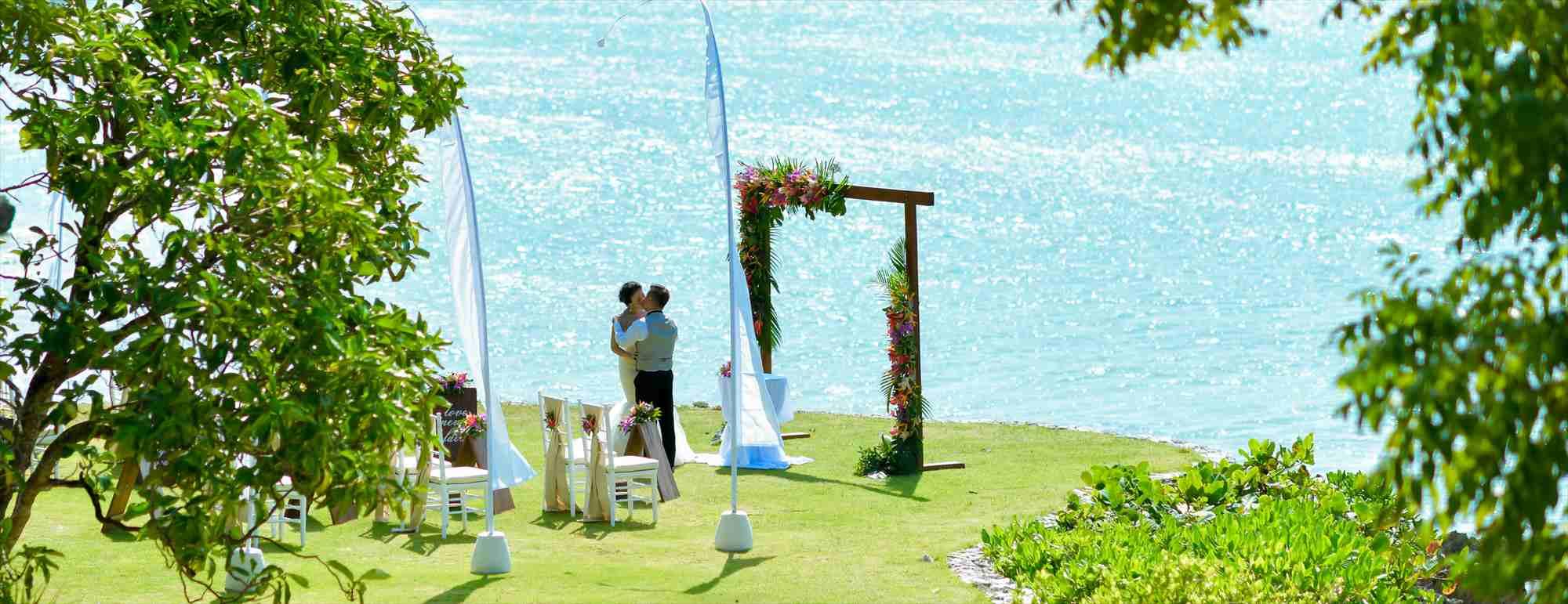 バリ島ガーデン・ウェディング フォーシーズンズ・バリ・ジンバラン ガーデン挙式 Fourseasons Resort Bali Jimbaran Garden Wedding