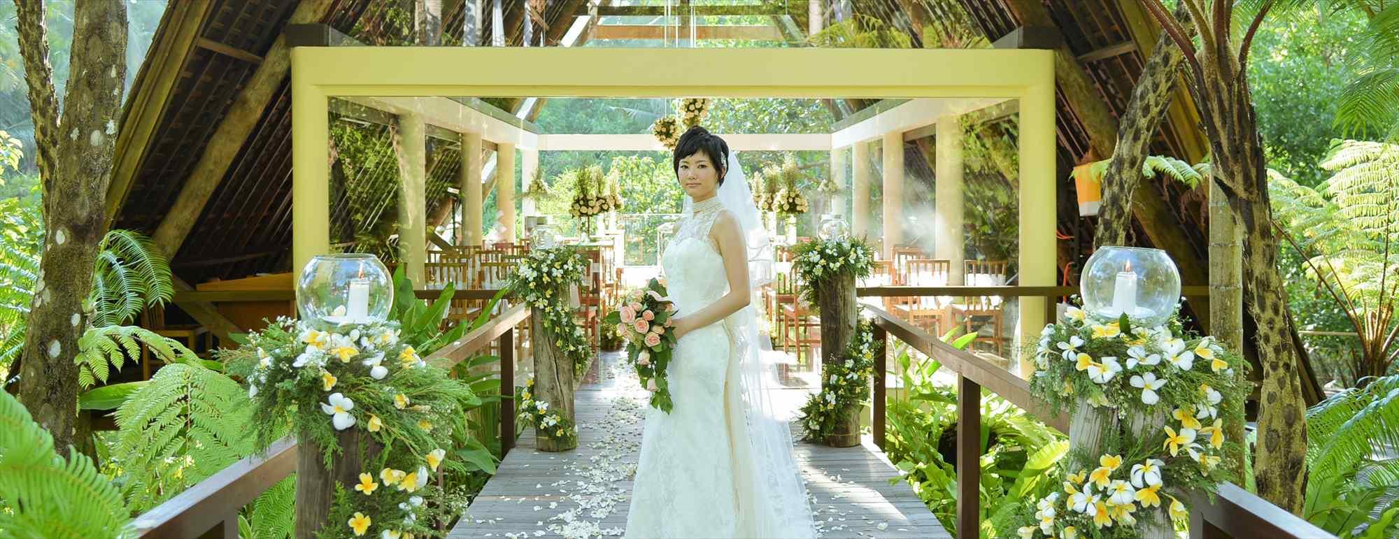 バリ島ウブド・チャペル・ウェディング コマネカ・ビスマ ワナスマラ・チャペル挙式 Komaneka at Bisama Wanasmara Chapel Wedding