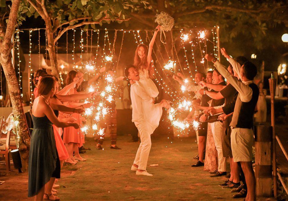 バリ島・ウェディング・パーティー/ Ma Joly Restaurant Wedding Party/ マ・ジョリー・レストラン/スパークラー
