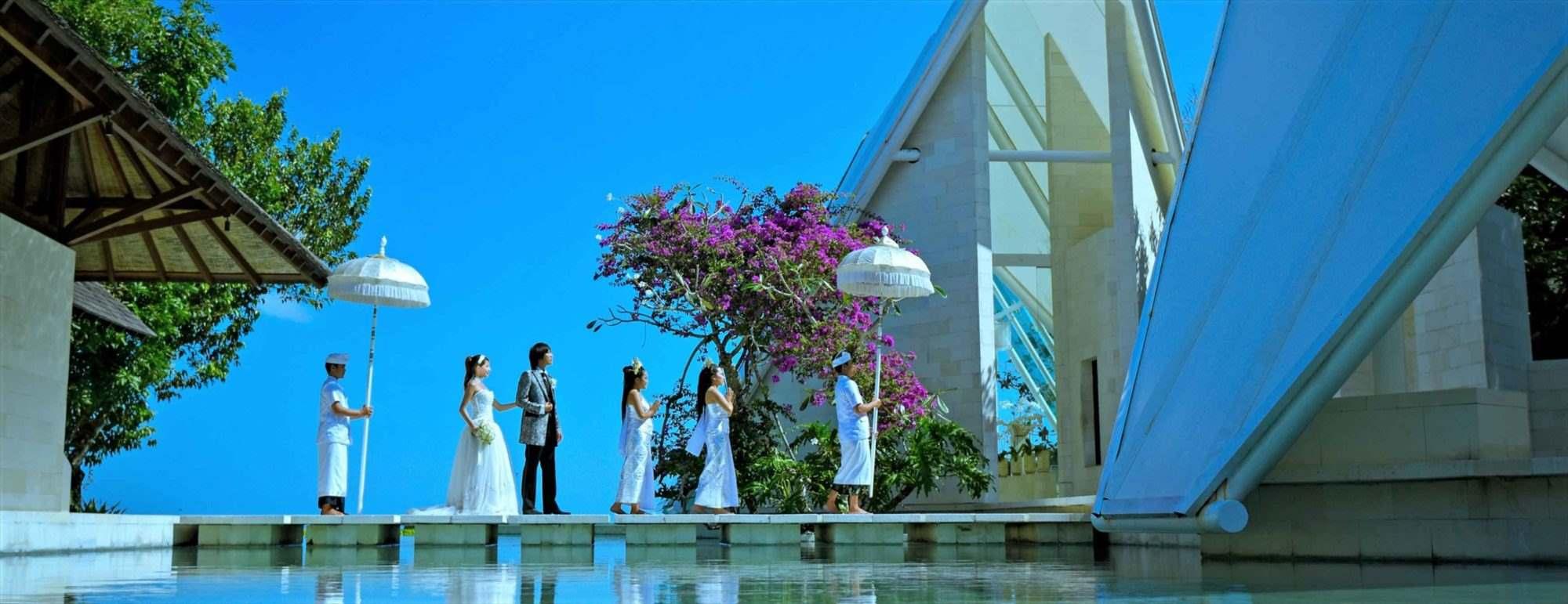 バリ島チャペル・ウェディング Tirtha Uluwatu Chapel Wedding ティルタ・ウルウツ・チャペル挙式
