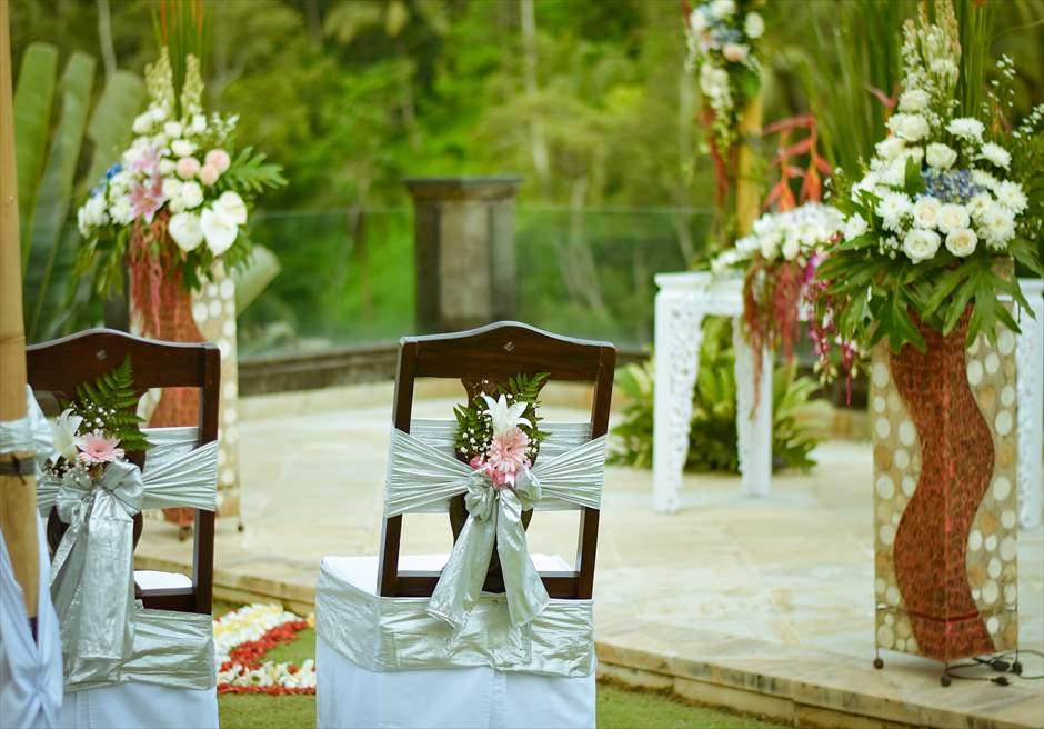 ガーデンデッキ 西洋式ガーデンウェディング  セレモニーチェア装飾