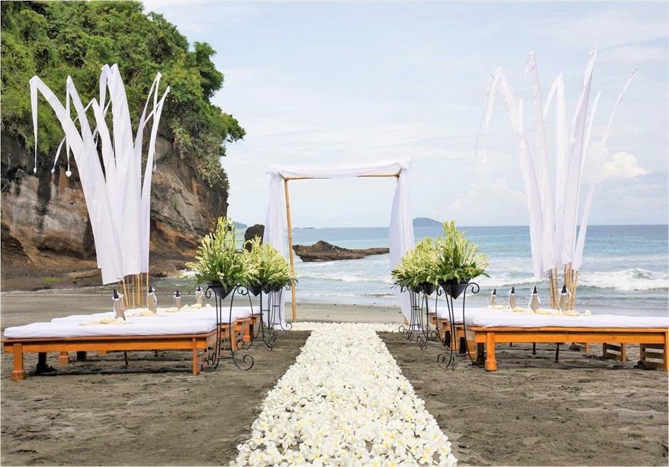 アマンキラ ビーチ・ウェディング 挙式会場全景 基本装飾