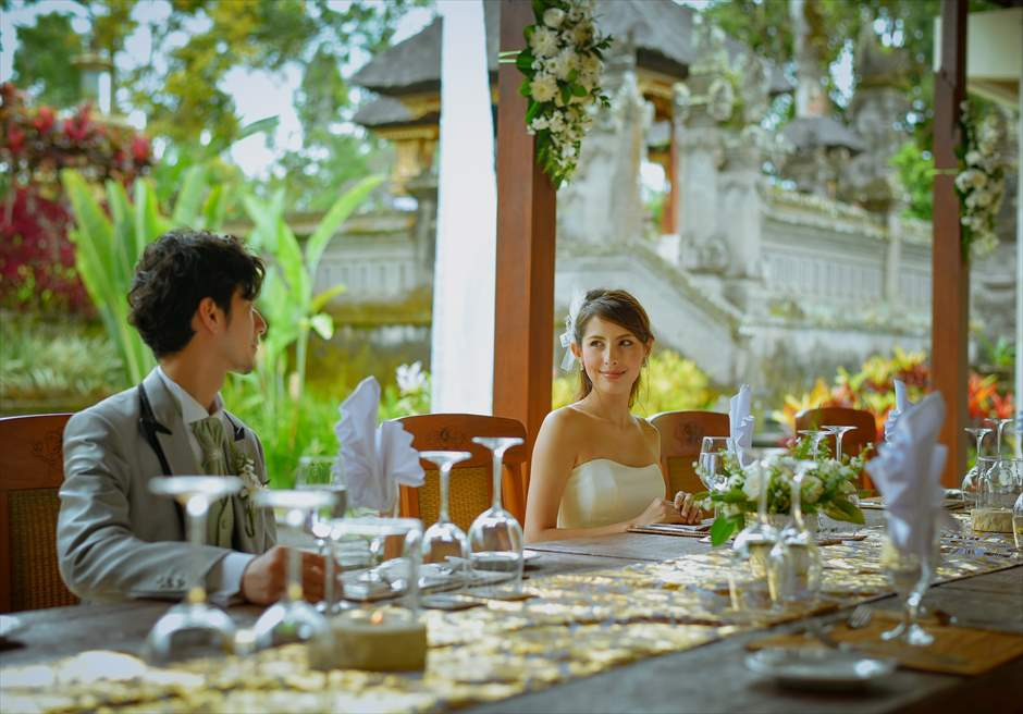 バグース・ジャティ・バリ&西洋式・ウェディング・パッケージ<br /> セレブレーションディナー(ご新郎ご新婦)<br /> ご参列者のディナー参加はお一人様7,000円で承ります