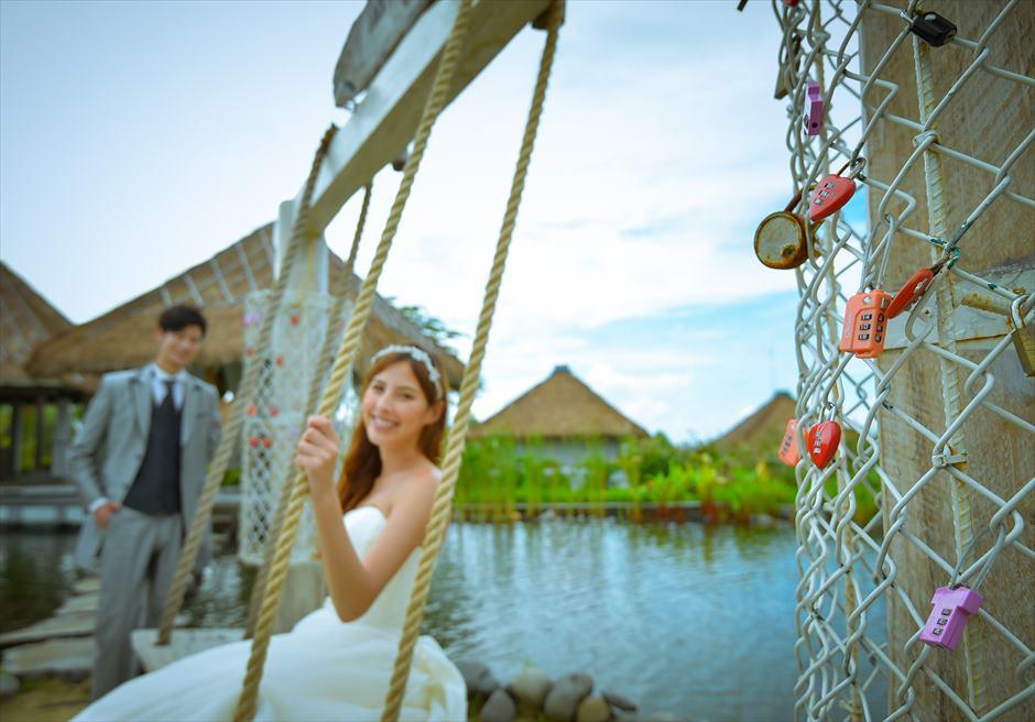 サマベ・バリ・スイート&ヴィラズ<br /> ガゼボ・ラブキーズ<br /> 様々なカップルが記念にキーを結ぶ