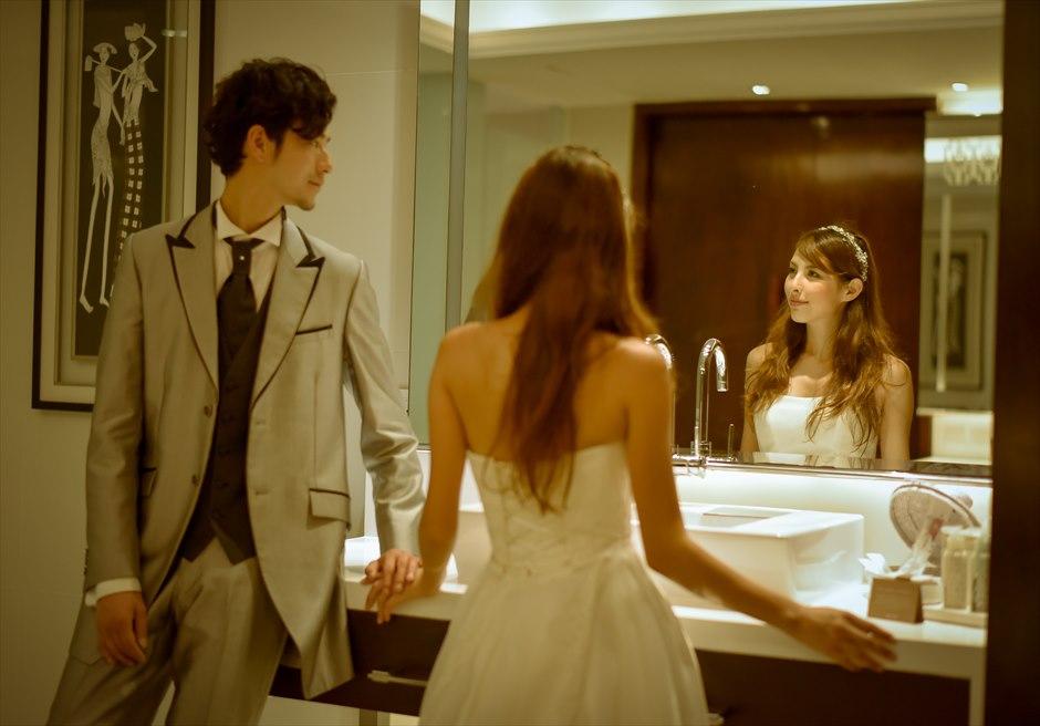 サマベ・バリ・スイート&ヴィラズ2ベッドルームペントハウスプールヴィラバスルームにて