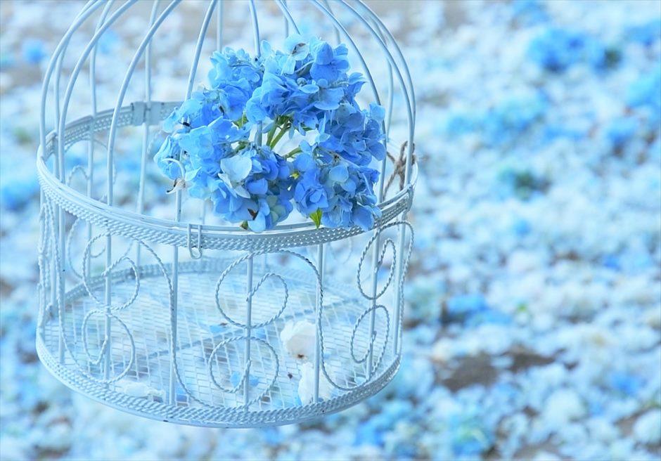 サマベ・バリ結婚式 ビーチ・ウェディング 挙式会場 生花のバージンロード