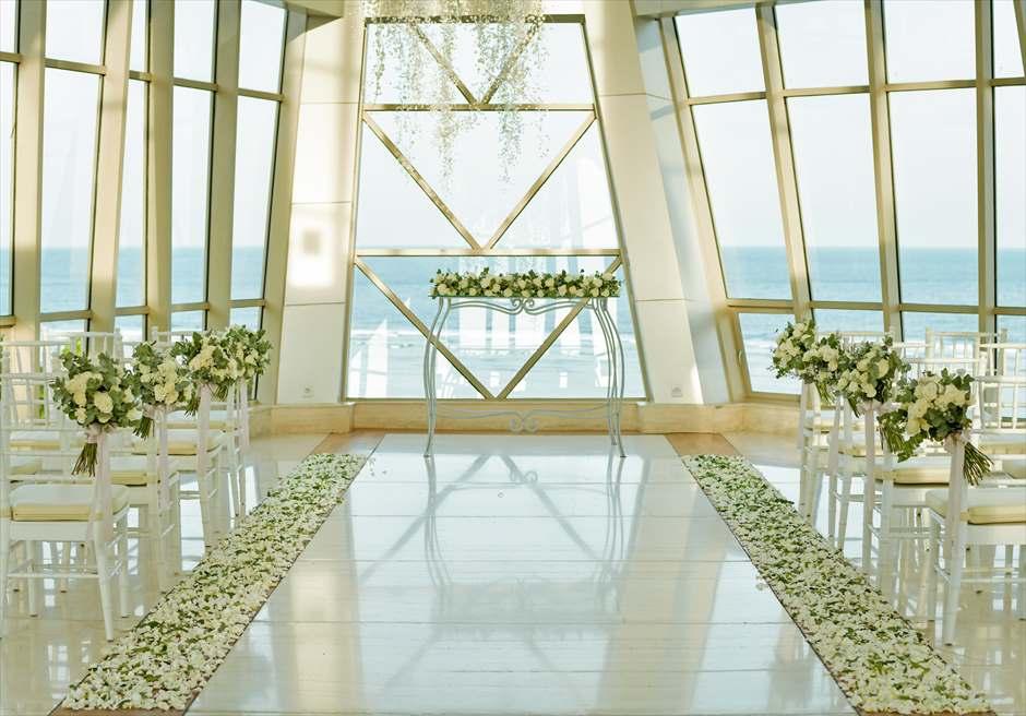 サマベ・バリ結婚式 パール・チャペル挙式・アップグレード・ウェディング 生花バージンロード