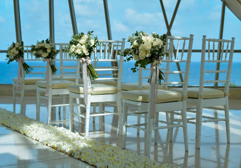 サマベ・バリ挙式 パール・チャペル・アップグレード・ウェディング アイル・サイド生花装飾