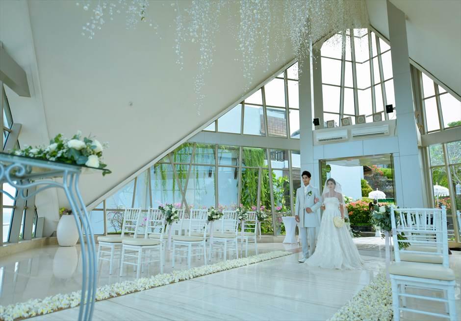 サマベ・バリ結婚式 パール・チャペル挙式・アップグレード・ウェディング バージンロード入場シーン