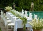 プールサイド・パーティー 生花のテーブル装飾