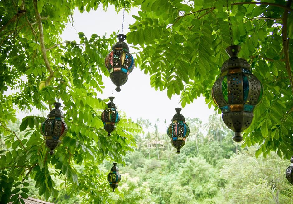 フォレスト・ウェディング 追加装飾プラン ツリーのステンド・グラス装飾