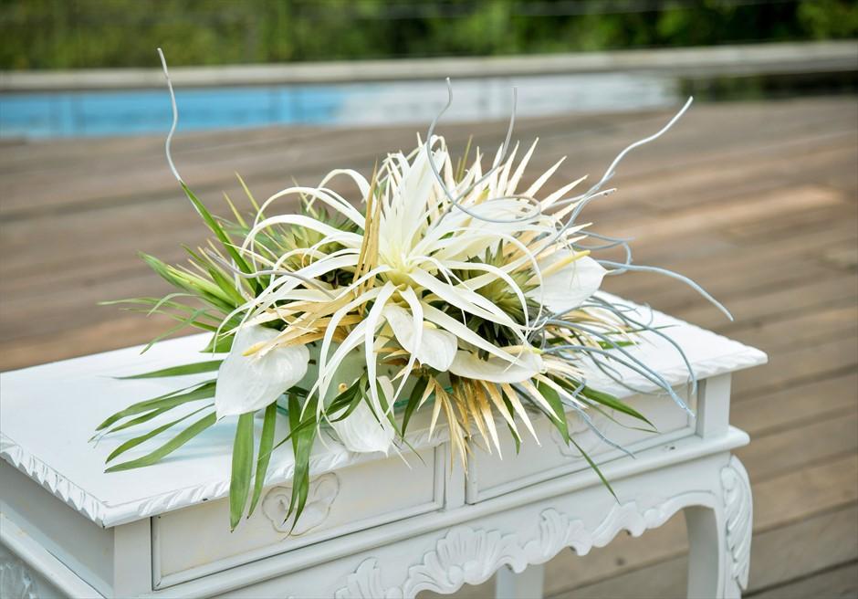 カマンダル・ウブド アルン・アルン・ガーデン トロピカル・ガーデン・ウェディング 祭壇生花&アートフラワー装飾