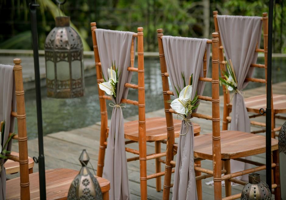 クラシカル・ガーデン・ウェディング ティファニー・チェア装飾 生花&ラスティック・サッシュ