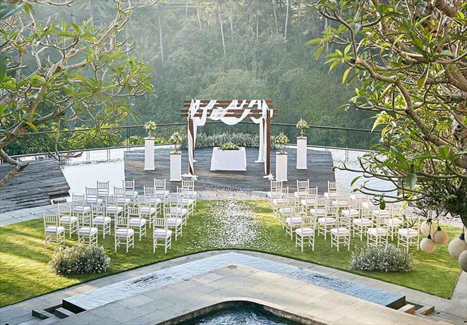 カマンダル・ウブド ナチュラル・ウェディング アルン・アルン挙式会場装飾全景