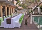 カユマニス・ヌサドゥア 3ベッドルームヴィラ プールサイド・デッキ テーブル会場装飾