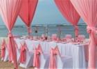 カユマニス・ヌサドゥア ビーチ テント・テーブル装飾 ピンク