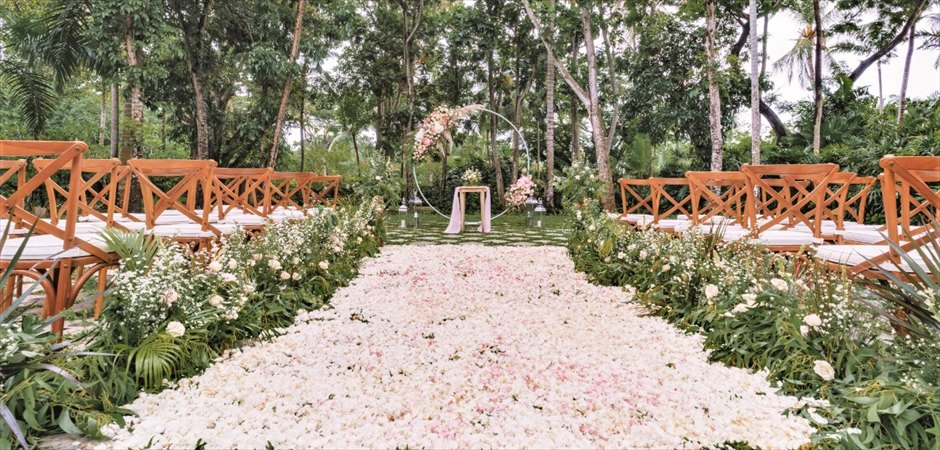 Kayumanis Gran Patio Garden Wedding