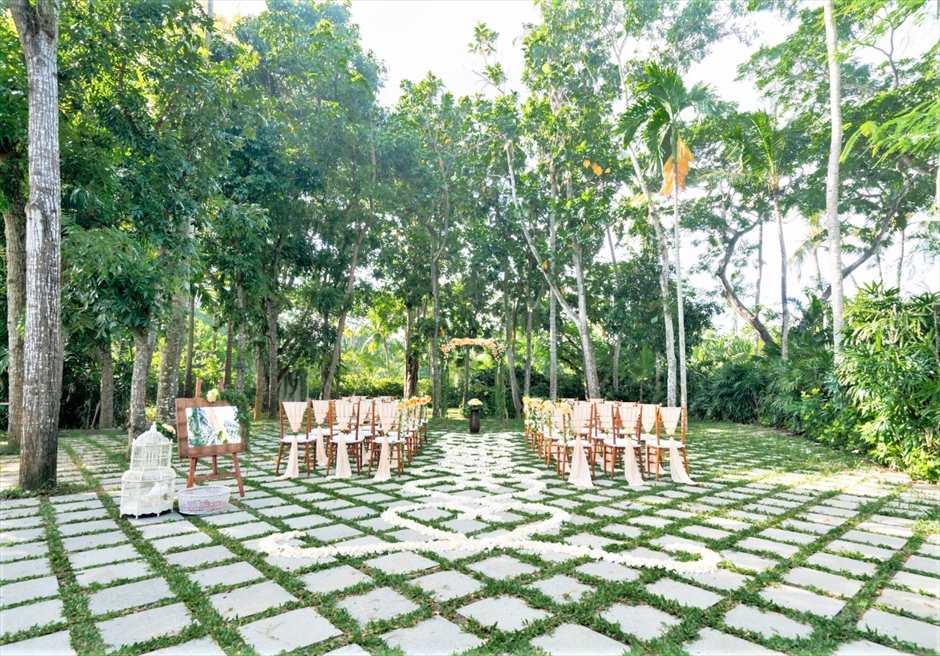 カユマニス・ヌサドゥア挙式 ピーチ グリーン・パティオ・ガーデン・ウェディング 挙式会場全景