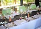 カユマニス・ヌサドゥア グラス・チャペル テーブル装飾一例